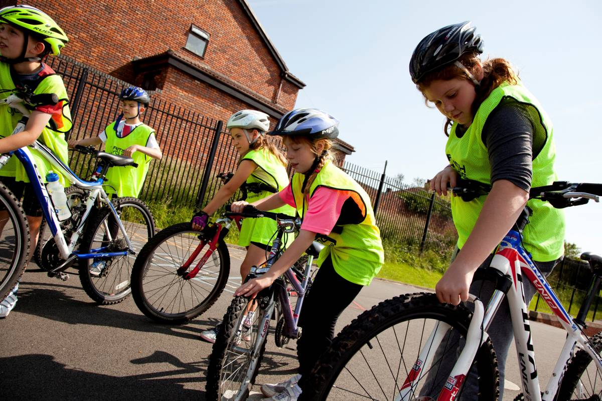 Top tips to get children cycling confidently