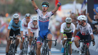 Cavendish wins silver in sprint finish at UCI Road World Championships
