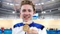 Impressive Stewart battles to points race gold in Commonwealth track finale