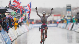 Evie Richards wins under-23 cyclo-cross world title in Zolder
