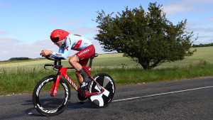 Dowsett equals record as Barnes takes family bragging rights