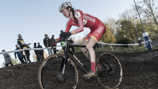ffion james tackles the mud in the hsbc uk national trophy series