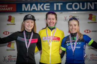 Ffion James wins the 2019 HSBC UK | National Cyclo-Cross Trophy.