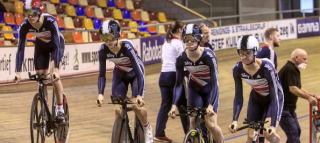 Tom Pidcock in action in the team pursuit