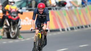 Dame Sarah Storey wins Paralympic time trial gold at the Rio Games