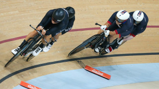 Sophie Thornhill and Helen Scott competes for Great Britain in the individual pursuit at the Rio Paralympics