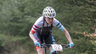 Kerry MacPhee leads the way in the women's standings at the 2018 HSBC UK | National Cross Country Series