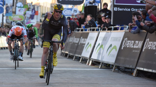 Ed Clancy takes the win in Peterborough with a powerful sprint.
