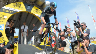 Chris Froome powers through the stage one time trial of the 2015 Tour de France