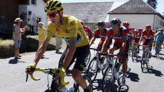 Chris Froome maintained his advantage in the yellow jersey