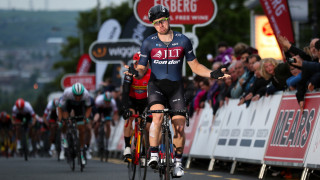 Brenton Jones wins round 8 of the Tour Series in Motherwell
