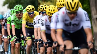 Chris Froome stayed safe in yellow in the peloton on stage 19 of the tour de france 2017