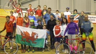 Dragons fly south to give track cycling a go