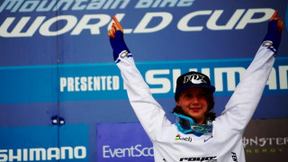 Manon Carpenter wins UCI Junior World Cup Downhill title
