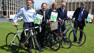 British Cycling urges you to support the Get Britain Cycling report and sign the e-petition