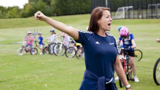 Calling all female coaches - take part in the survey and help build women's coaching in the UK