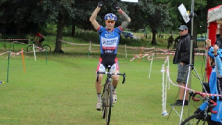 Cross: Holmes zeros in on victory in the first event of the London League