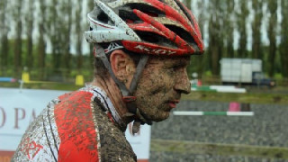 Cross: Andy Taylor takes London League win