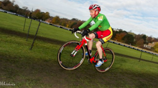 Cross: Vet ace Davies storms to Plymouth win
