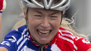 Lucy Garner retains junior women's road world championship title