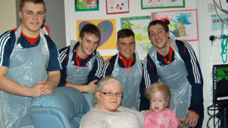 Great Britain cyclists visit Royal Manchester Children's Hospital