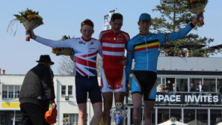 Tao Geoghegan Hart takes third in Junior Paris Roubaix