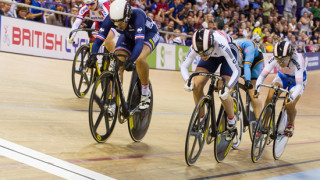 Khan misses out on third rainbow jersey with keirin silver