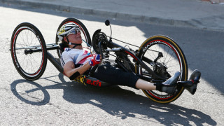 Karen Darke wins silver at the 2014 para-cycling road world championships