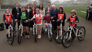 Minister Helen Grant visits British Cycling Go-Ride session