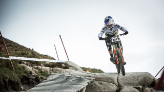 Williamson and Atherton defend HSBC UK | National Downhill Championships titles