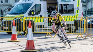 Donaldson and King victorious in Isle of Man Youth Tour prologue