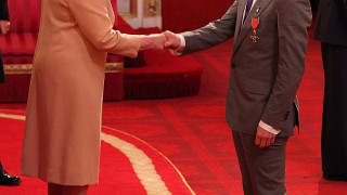 Cav' Receives MBE from Queen