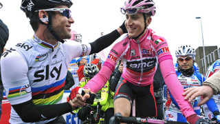 Cavendish sprints his way to victory in the second stage of the Giro d' Italia