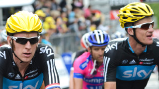 Wiggins survives in second after dramatic ride to Boulogne