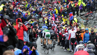 Yates into second at Tour of Britain as Gerard Ciolek wins dramatic stage two