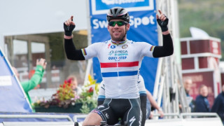Mark Cavendish wins Tour of Britain stage four with bunch sprint in Llanberis