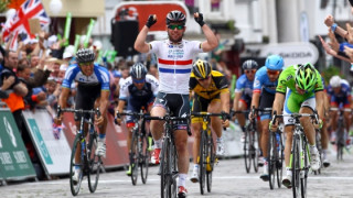 Mark Cavendish wins Tour of Britain stage seven into Guildford