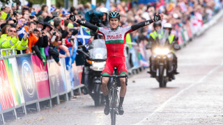 Wales' Geraint Thomas survives late puncture to win men's road race at Glasgow Commonwealth Games