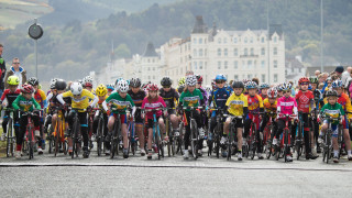 Final stage provides thrilling action at Isle of Man Youth Tour