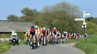 Prologue winner Mingay leads Screentek Junior Tour of the Mendips after serious crash on Stage 1