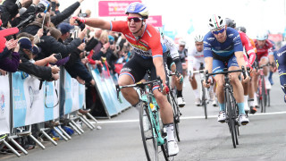 Groenewegen sprints to victory on stage one of Tour de Yorkshire