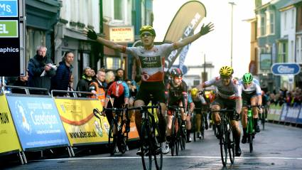 Mould takes 8th Tour Series win at home in Wales
