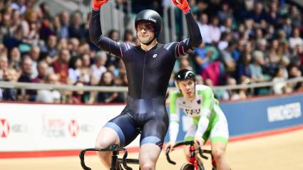 Kenny bounces back from error to win keirin title