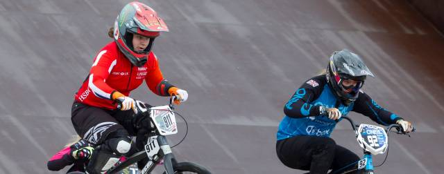Shriever and Manaton rule the track in Glasgow