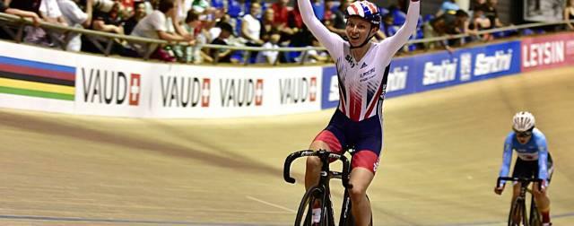 Golden girl Rebecca Raybould becomes the junior scratch race world champion