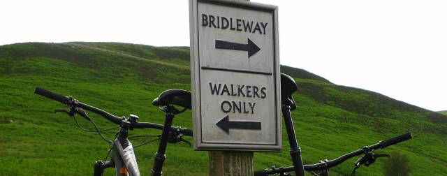 Open up countryside paths for people on bikes say outdoor groups