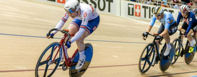 Archibald storms to omnium gold despite late crash in Berlin