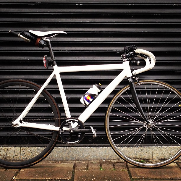 British Cycling member TomZ's Dolan FXE fixed gear commuting bike