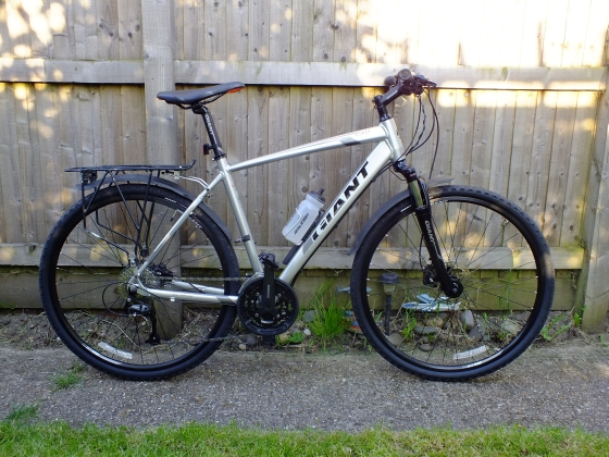 British Cycling member Charlie Keene's Giant hybrid commuter bike