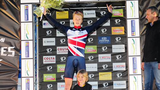 Great Britain's Matt Gibson took an excellent victory at the third round of The Pearl Izumi Tour Series in Peterborough on Thursday.